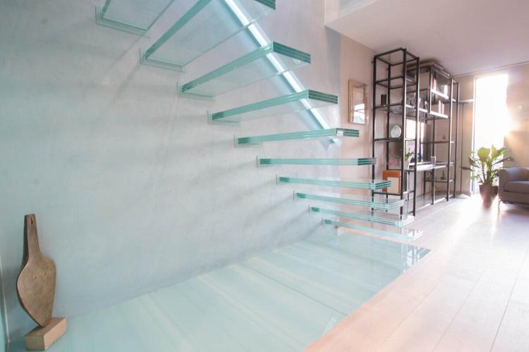 راه پله شیشه ای خانه دوبلکس